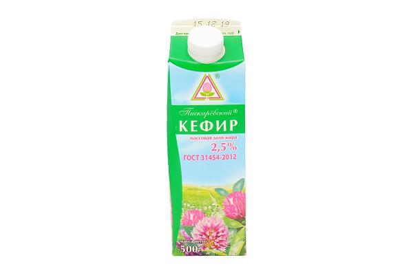 Кефир  2.5% 0.5л п/п  Пискаревский м/з БЗМЖ